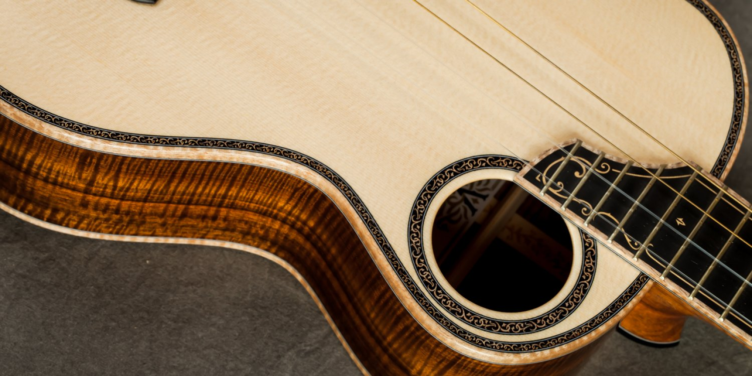 Devine – Spruce Top Koa Tenor