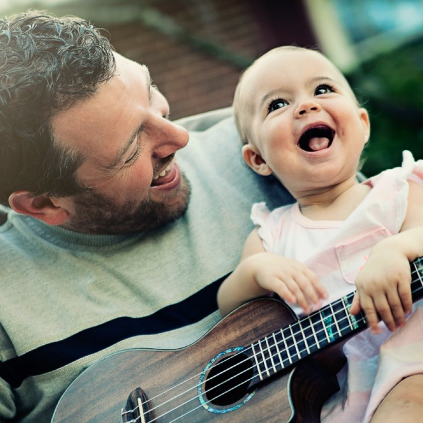 'Daddy + Daughter Ukulele Time' by Michael Horn